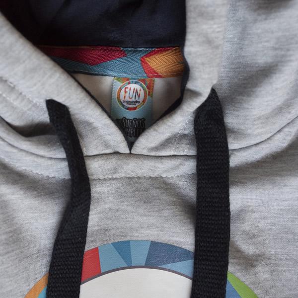 buzo gris fun articulo con capota esteban chaves