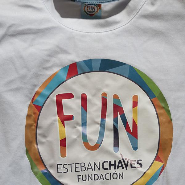 logo principal camiseta blanca funchaves